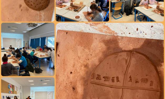 L'écriture à travers les temps: quand les élèves de 6ème découvrent les gestes de nos ancêtres